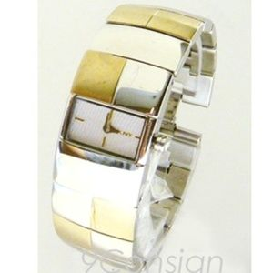 DKNY Woman Ladies Stainless Steel Bracelet Watch